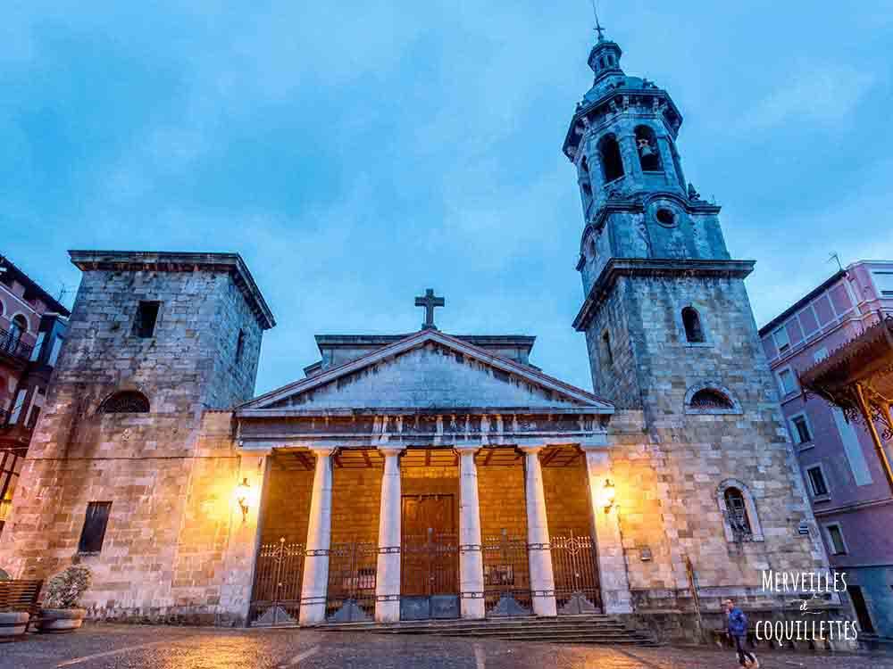 Bremeo, ville de la côte Atlantique, proche de Bilbao, lieu de tournage de Game of thrones - merveilles et coquillettes
