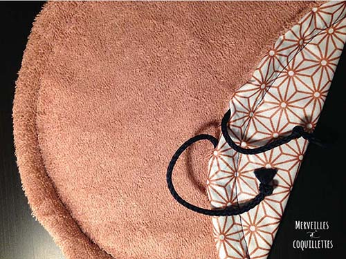 diy couture le tapis pochon de piscine merveilles et coquillettes. Black Bedroom Furniture Sets. Home Design Ideas